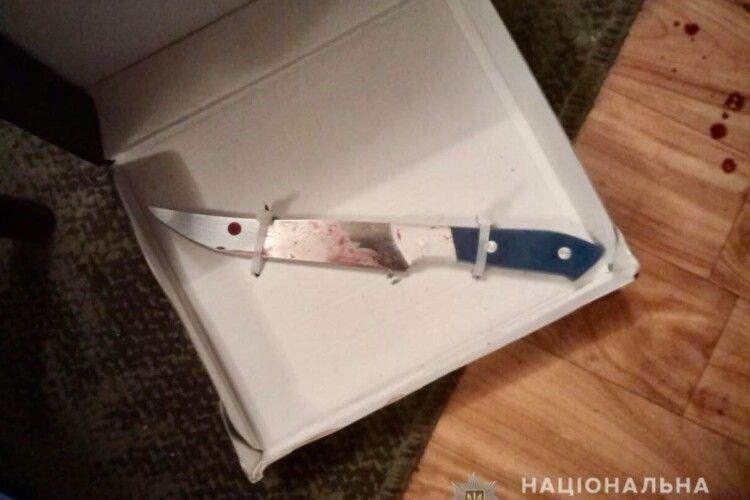 12 ножових поранень: У новорічну ніч чоловік вбив сина співмешканки