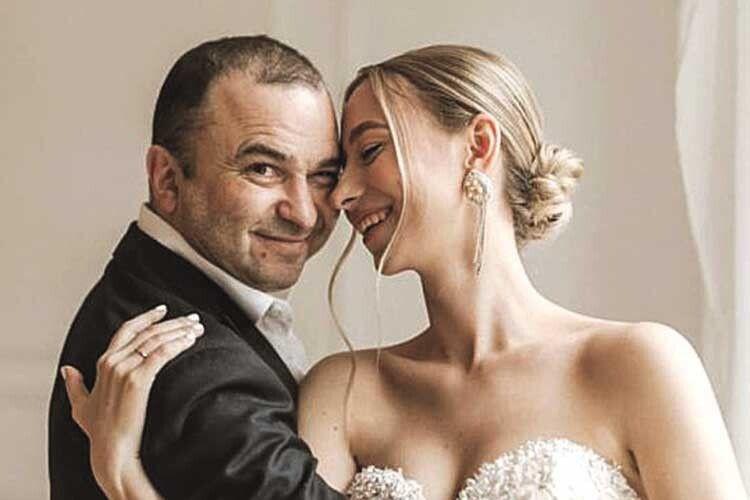 Віктор Павлік таємно одружився зудвічі молодшою коханою