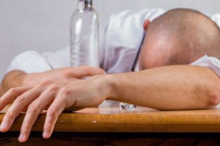 Троє п'яних, як чіп, горохівчан діставали поліцейських