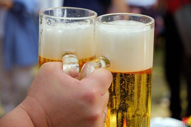 У Великій Британії утилізують понад 50 мільйонів літрів пива, яке не змогли продати через карантин