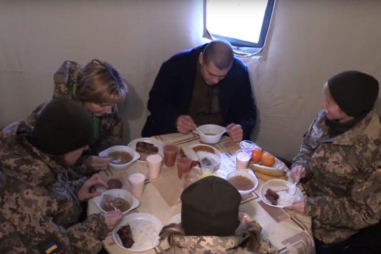 Українських військових харчуватимуть по-новому (Відео)