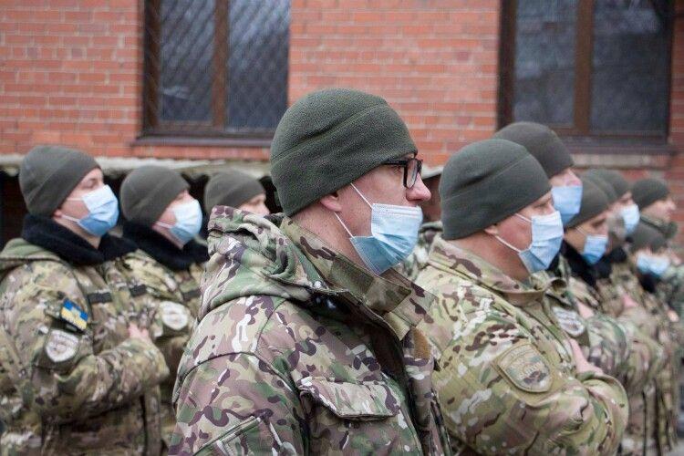 Доба в зоні ООС: стріляли з гранатометів, є поранені. Українці дали відсіч