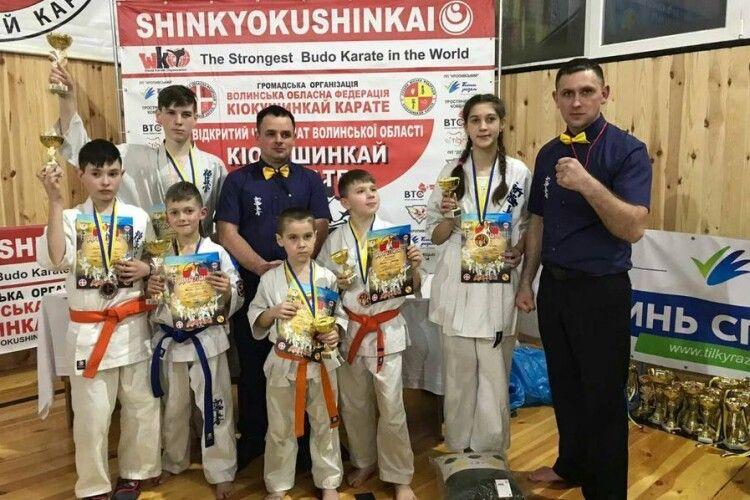 Турійські каратисти здобули 13 медалей