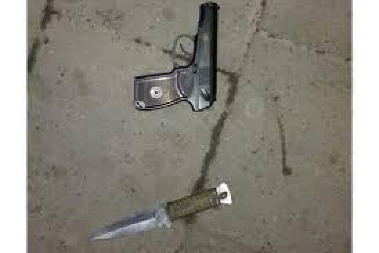 Поліція вилучила у 25-річного лучанина пістолет та ніж