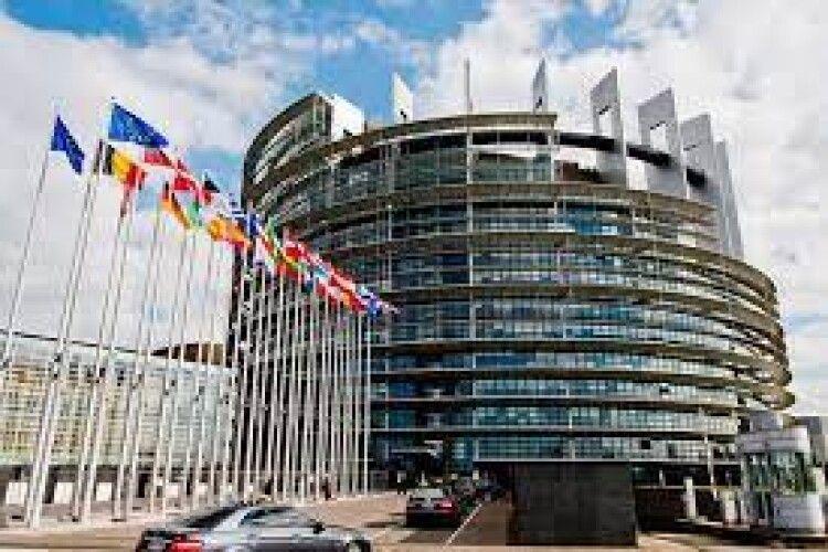 Найбільша фракція Європарламенту виступила за розширення санкцій проти Росії