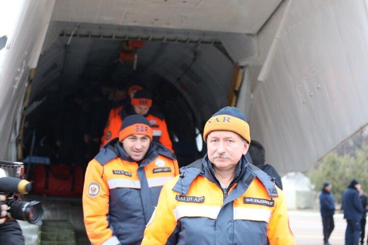 Рятувальники ДСНС повернулися з місця катастрофи українського боїнга в Тегерані (Фото, відео)