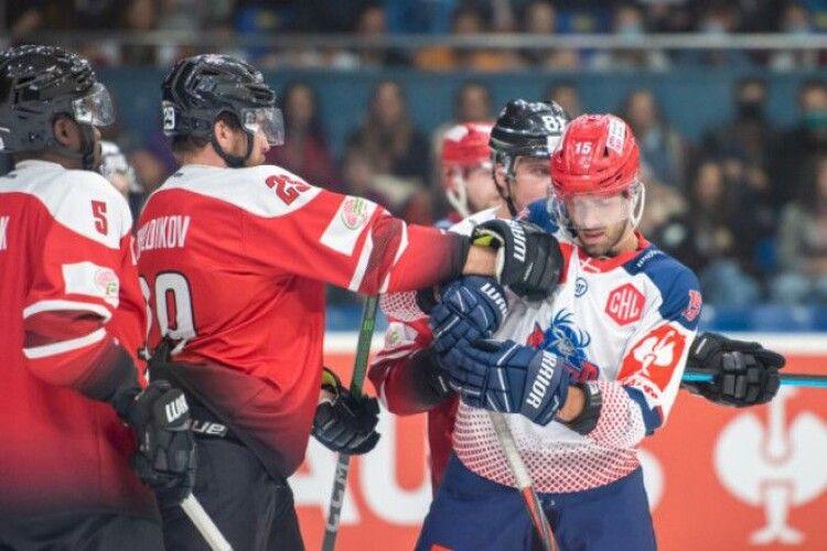 Хокей: Донбас дебютував в Лізі чемпіонів з поразки в серії булітів (Відео)