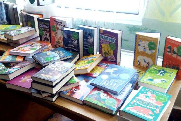 У Турійську публічну бібліотеку надійшла рекордна кількість нових книжок