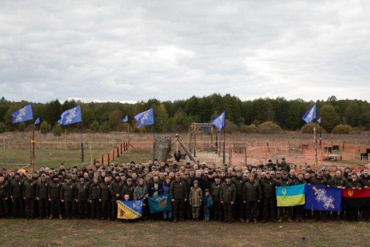 Ми завжди готові захищати Україну і не дозволимо владі перетнути «червоні лінії»: Порошенко на перших тактичних зборах ГО «Res_Publika. Брати по зброї»