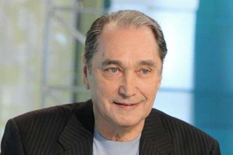 Від коронавірусу помер актор, який зіграв голову роль у легендарному фільмі «Людина-амфібія»