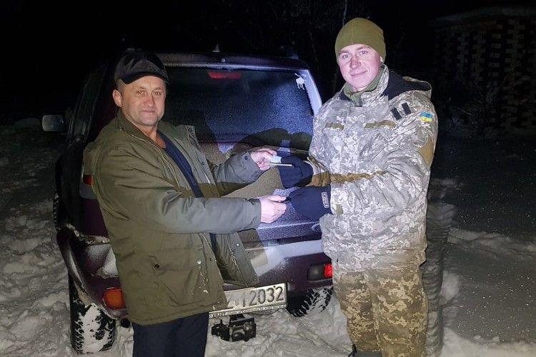 Наш земляк подарував воякам джип