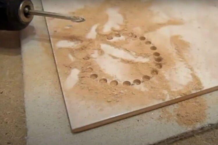 Як зробити отвір укерамічній плитці?
