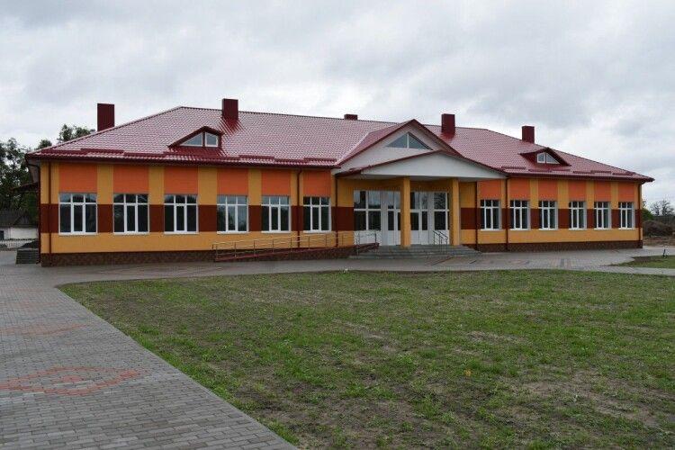 На Волині відкрили нову школу на 150 учнів