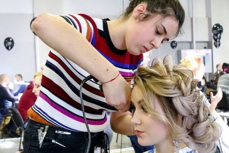 Ковельчанка стала найкращою перукаркою України