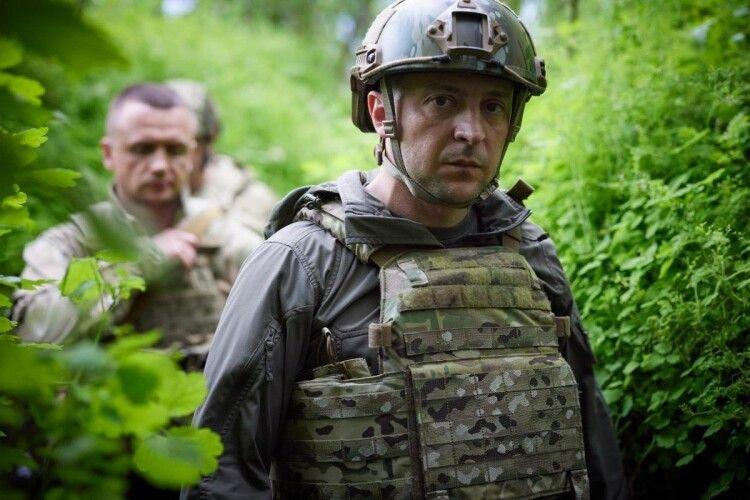 Зеленський побував на передовій (Фото)