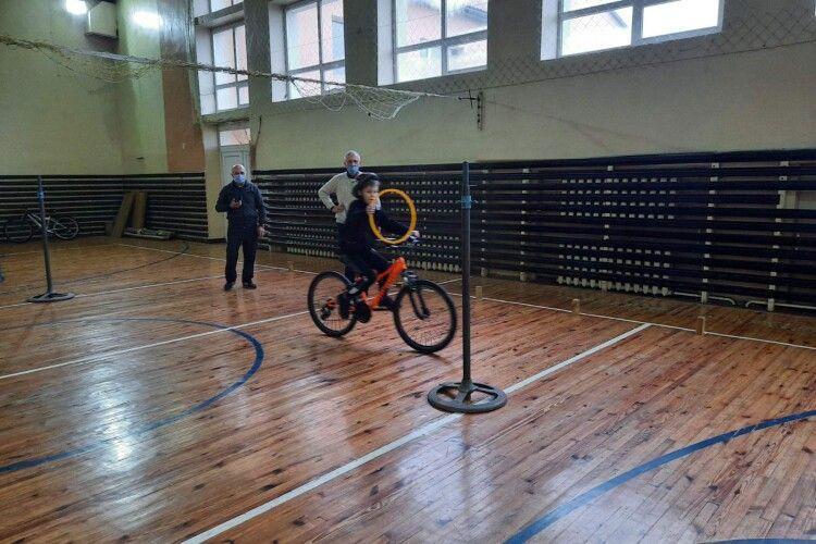Волинські велосипедисти змагалися… у спортзалі (Фото)