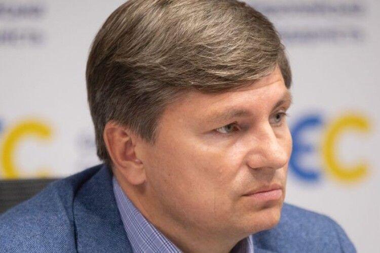 Артур Герасимов: «У Зеленського хаос: не знають, що робити з коронавірусом та економічною кризою»