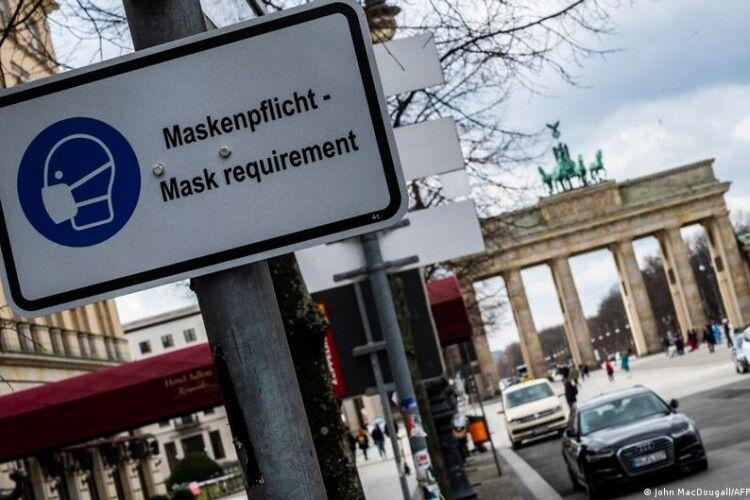 У Німеччині затвердили єдині COVID-правила по всій країні