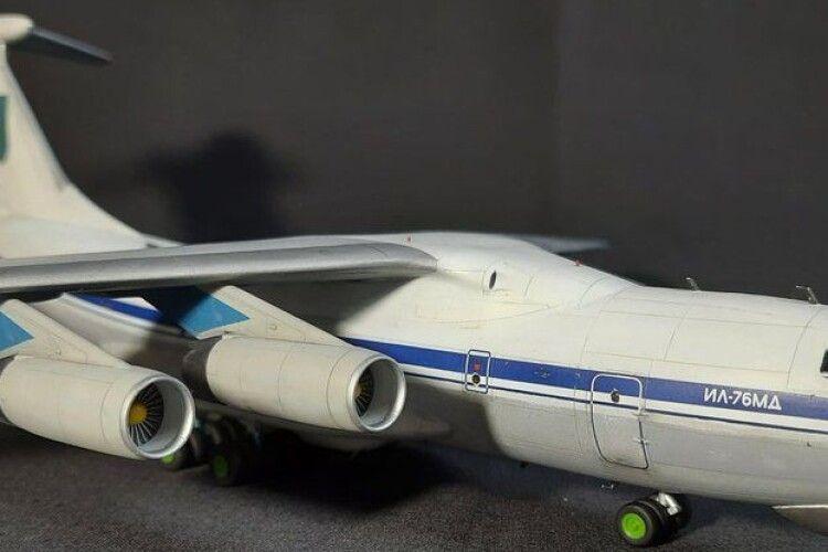 Лучанин створив модель літака, який був збитий над Луганськом