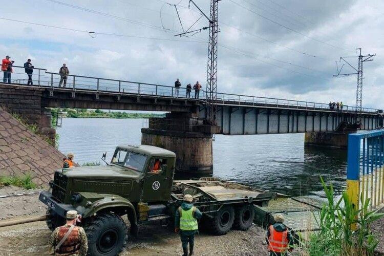 Байкери скинули сторожа з мосту: чоловік у реанімації