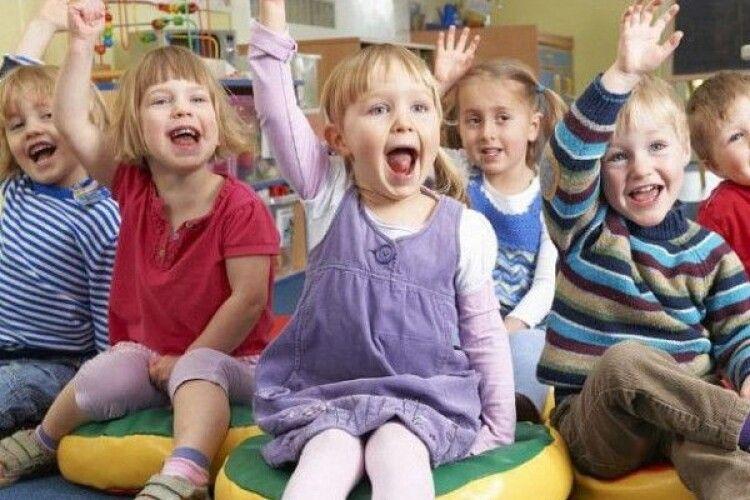 Зеленського просять не мордувати ні дітей, ні вихователів – зменшити наповнюваність груп у дитячих садочках