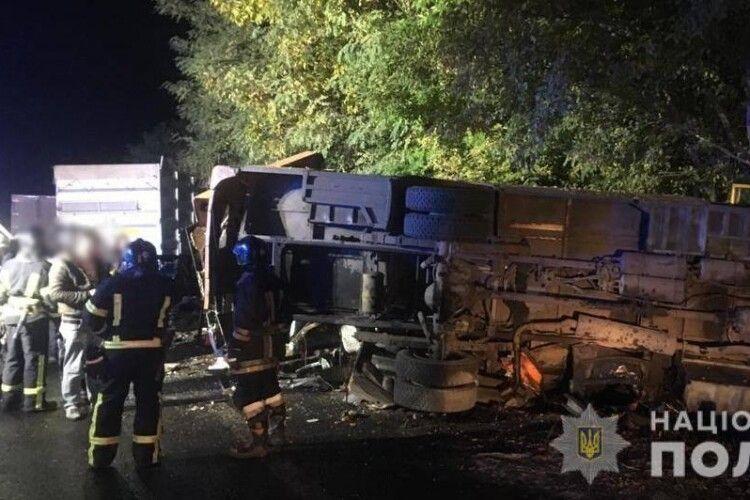 На Одещині вантажівка в'їхала в маршрутку – двоє загинули, дев'ятеро постраждали