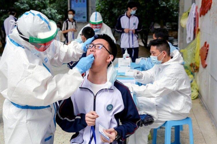 Китайський епідеміолог звинуватив міську владу Уханя в приховуванні правди про коронавірус