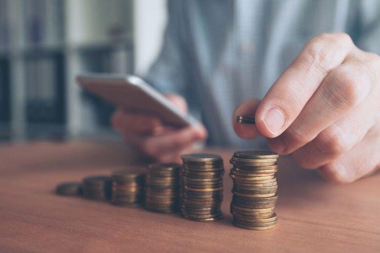 В Україні можуть підвищити податки: кому доведеться більше платити