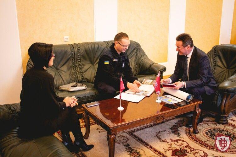 Волинський університет підписав угоду з рятувальниками щодо популяризації правил особистої безпеки