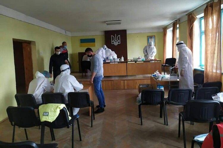 Ратнівських поліцейських масово перевірили на коронавірус