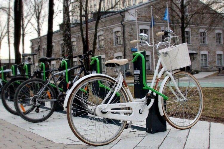 100 роверів і 15 парковок: велосипед у Луцьку хочуть зробити громадським транспортом