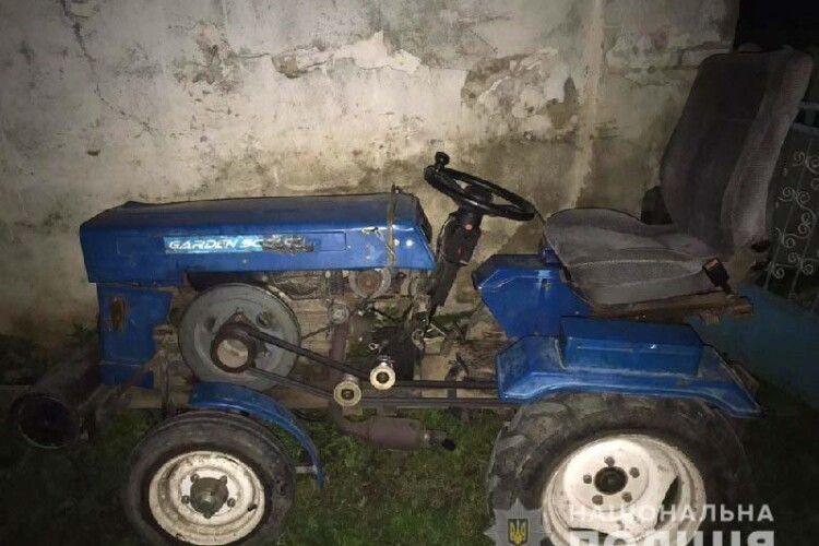 15 річний підліток з напарником поцупили трактора у вітчима