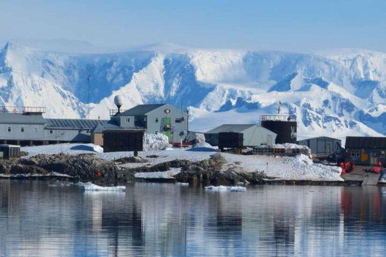 Google присвятив дудл 25-річчю українській антарктичній станції Академік Вернадський
