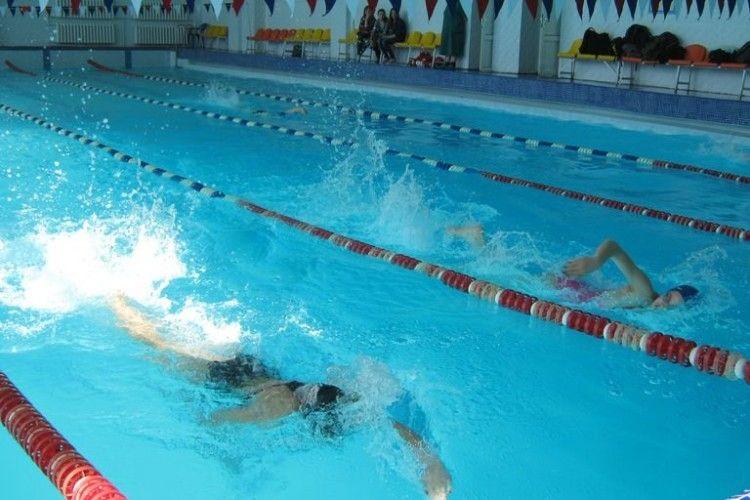 Спорткомплекс Луцького НТУ організовує новорічний ранок у басейні