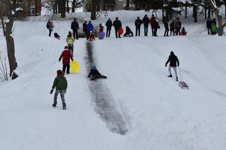 У Луцьку продовжується свято зимового дозвілля «Сніжна зима – 2021»