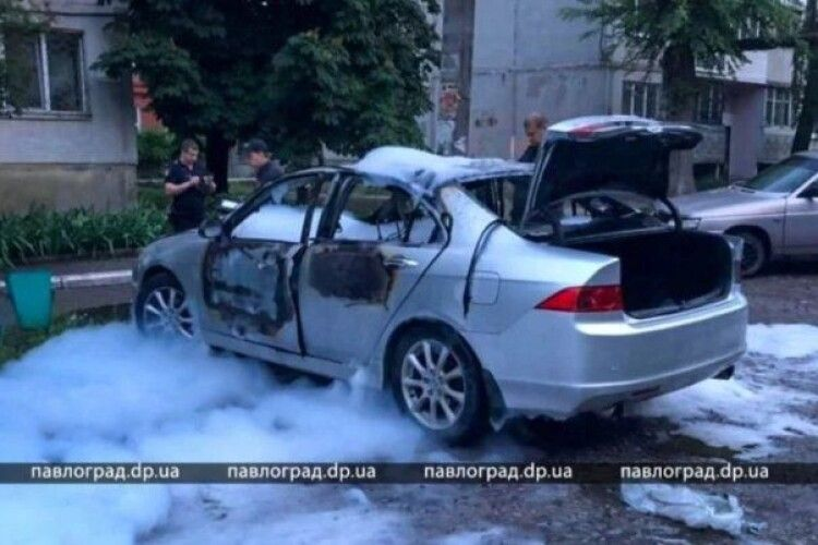 Авто відомого українського спортсмена злетіло в повітря