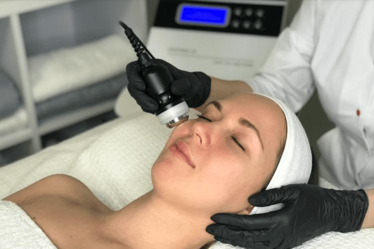 Купуючи косметологічне обладнання: на що треба звернути увагу?