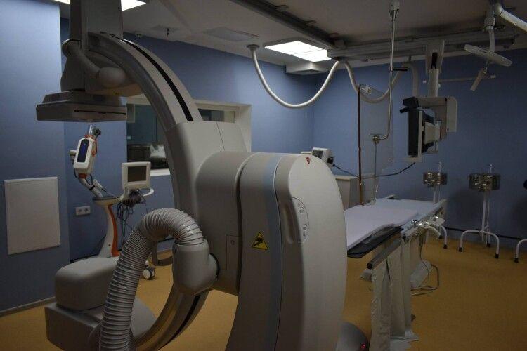 У Луцькій міській клінічній лікарні запрацював надсучасний ангіограф