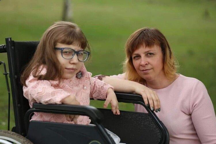 Мама двох дітей з інвалідністю відчайдушно бореться з раком в умовах карантину