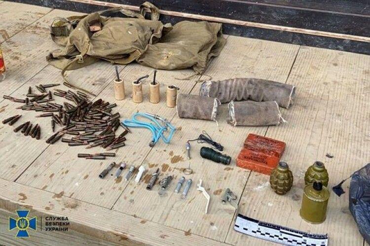 У львівського «громадського активіста» виявили арсенал з гранатами