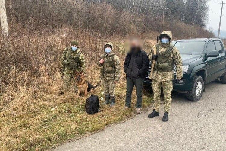На кордоні з Білоруссю затримали алжирця без документів