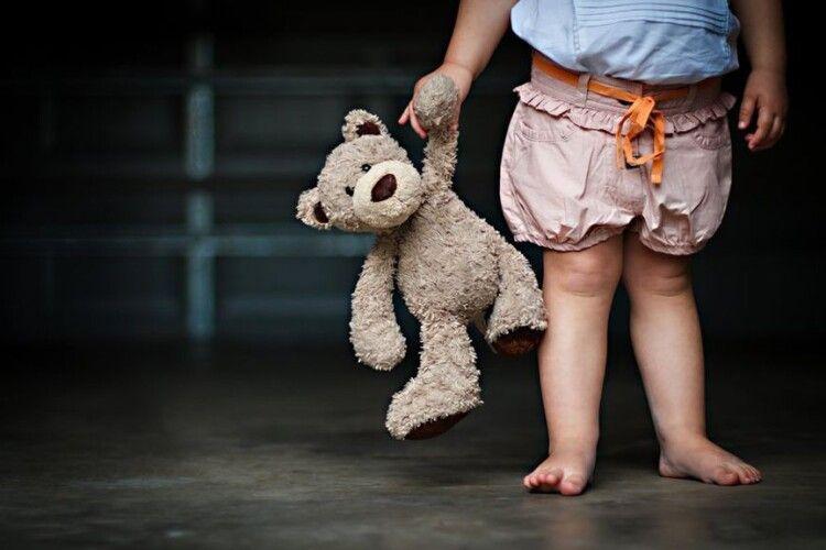 15-річна дівчинка стала важити 9 кілограм через власну матір