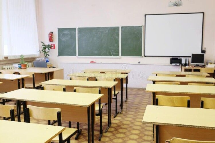 10 волинських шкіл після канікул перейшли на дистанційку