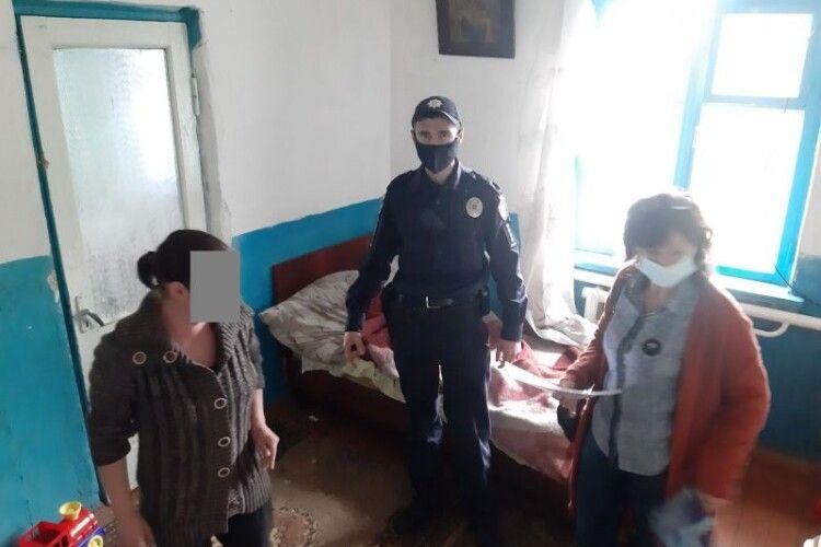 «Діти брудні та кволі»: у сім'ї на Волині малечу забрали від батьків у лікарню