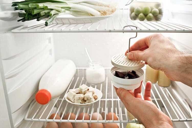 Щоб забрати запах із холодильника