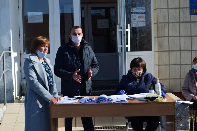 Волинська громада придбала апарат штучної вентиляції легень для районної лікарні