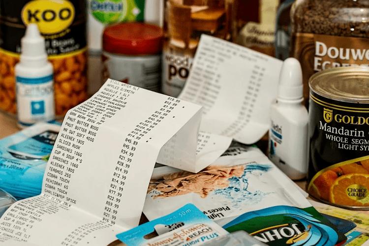 У Луцьку продавець супермаркету пограбував чоловіка