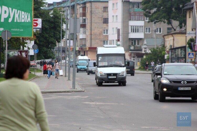 13 із 19 маршруток вийшли на рейси у Володимирі-Волинському 23 червня