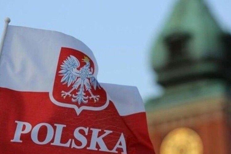 До кінця літа в Польщі планують щепити від COVID-19 усіх охочих