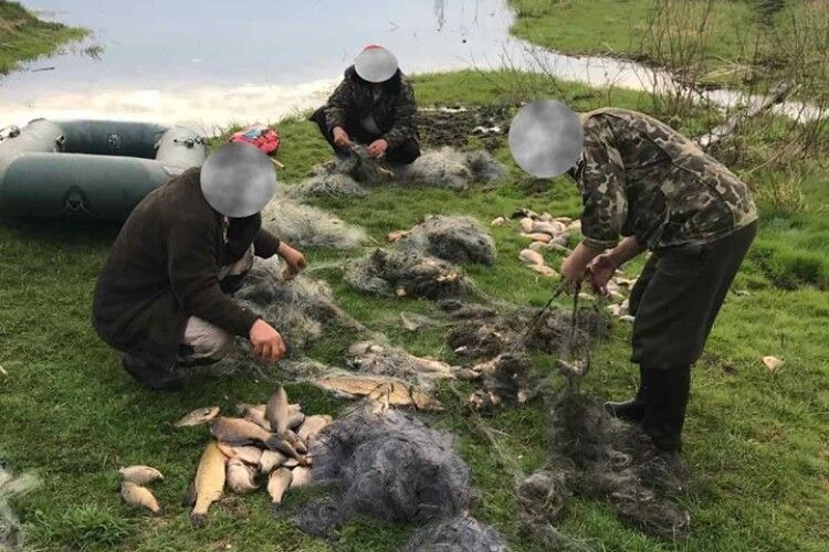 За травень Волинський рибоохоронний патруль оштрафував браконьєрів на 20 тисяч гривень